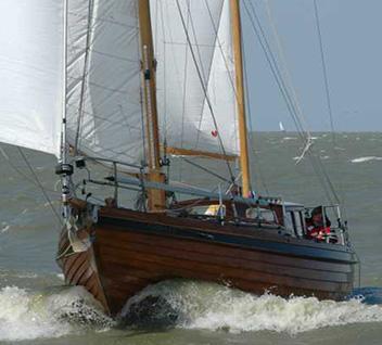 Compaen Classic Boat